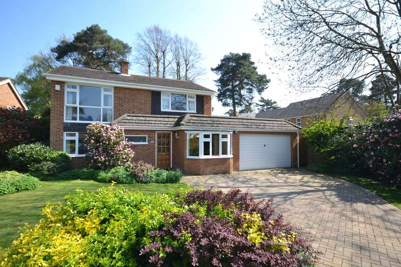 4 Bedrooms Detached House for sale in Weybridge