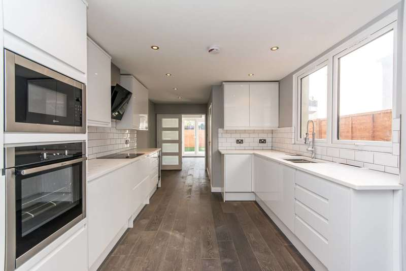 4 Bedrooms Terraced House for sale in Ambleside Road, Harlesden, NW10