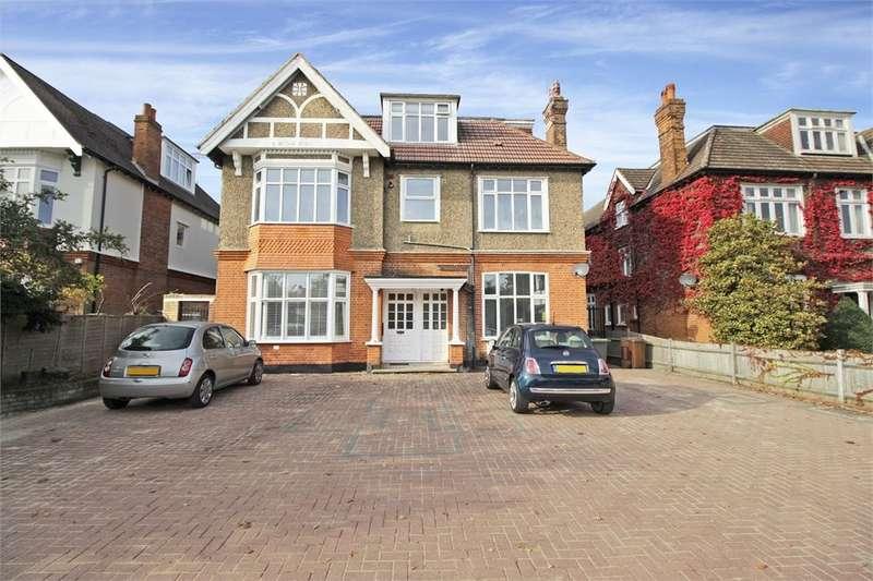 2 Bedrooms Flat for sale in Scotts Lane, Shortlands, Bromley, BR2