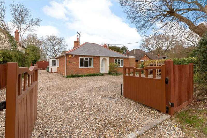 2 Bedrooms Detached Bungalow for sale in Broad Lane, Upper Bucklebury, Reading, Berkshire, RG7