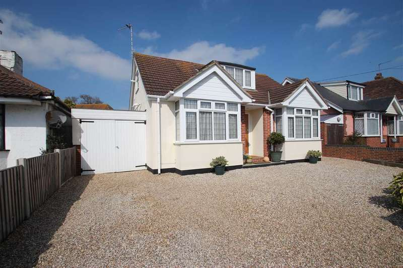 3 Bedrooms Bungalow for sale in Frinton Road, Kirby Cross