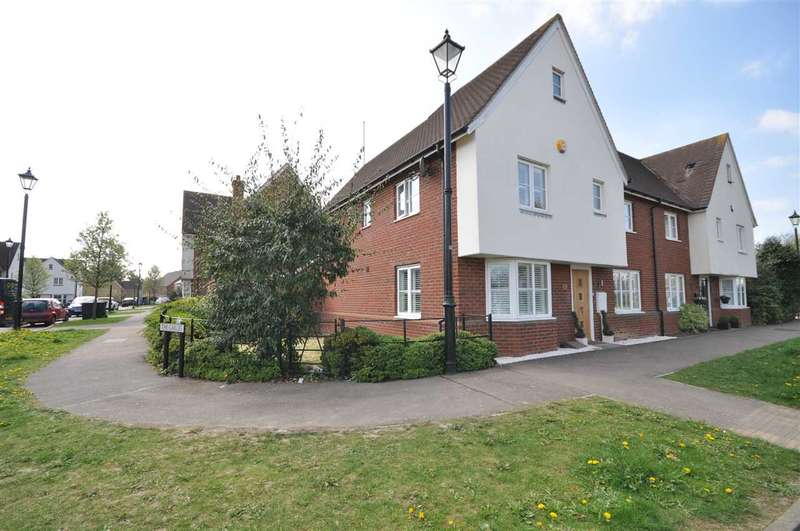 4 Bedrooms Semi Detached House for sale in The Gables, Ongar