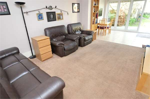 3 Bedrooms Flat for sale in Thornhill Road, Croydon