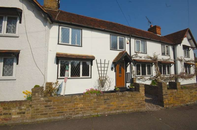3 Bedrooms Terraced House for sale in Maldon Road, Great Baddow, Chelmsford, CM2