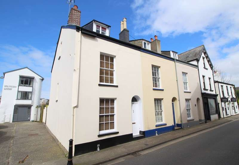 4 Bedrooms Town House for sale in Torrington Street, Bideford