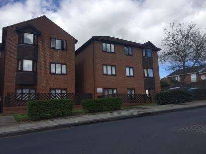 1 Bedroom Flat for sale in Eggardon Court, Lancaster Road, Northolt