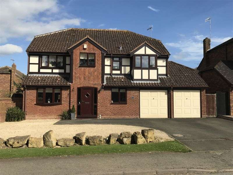 4 Bedrooms Detached House for sale in Winchcombe Road, Sedgeberrow