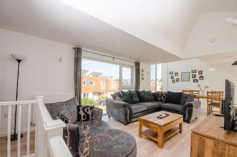 2 Bedrooms Apartment Flat for sale in Duke Of York Way, Maidstone, Kent