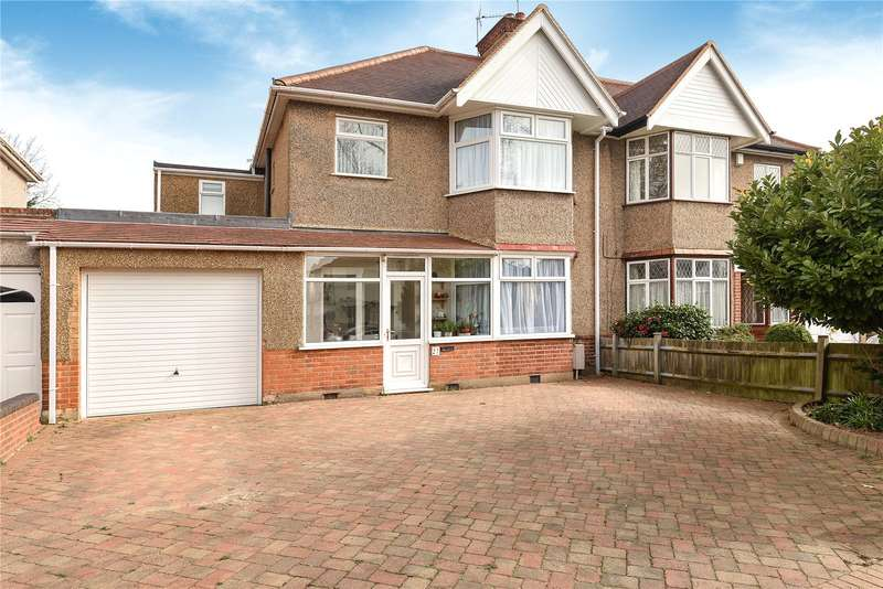 4 Bedrooms Semi Detached House for sale in Hillview Gardens, Harrow, Middlesex, HA2