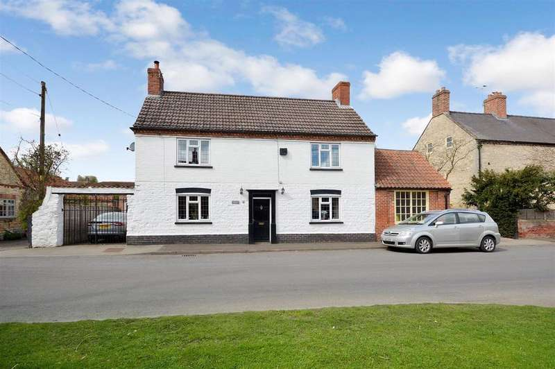 5 Bedrooms Detached House for sale in 43 High Street, Brant Broughton, Lincoln