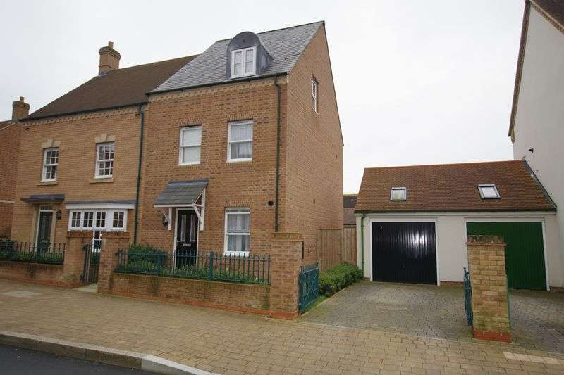 4 Bedrooms Semi Detached House for sale in Wichelstowe