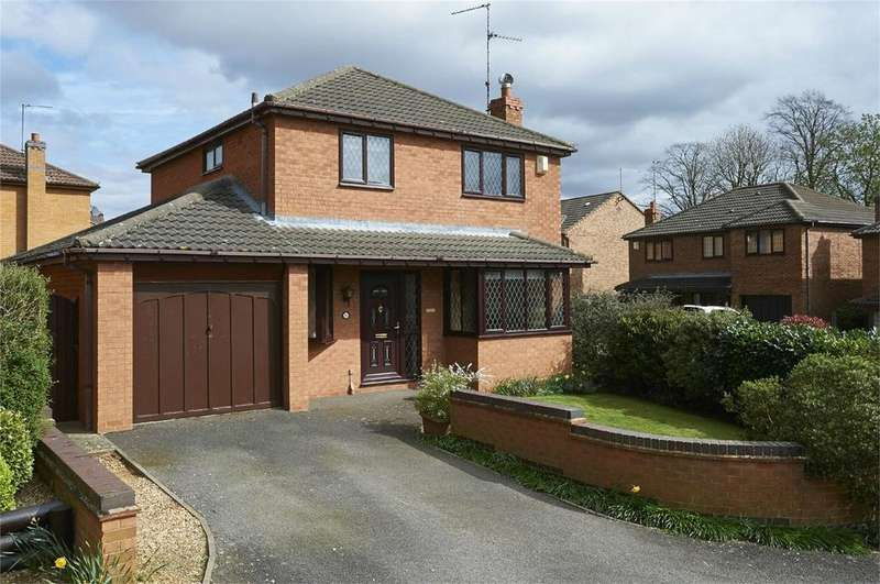 3 Bedrooms Detached House for sale in Chestnut Drive, Desborough, Kettering, Northamptonshire