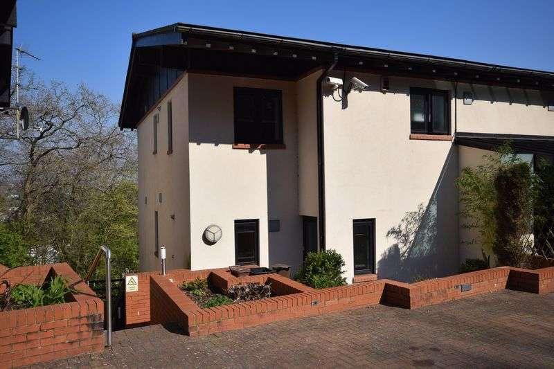 3 Bedrooms Flat for sale in Woodridge, Bridgend, CF31 4PE