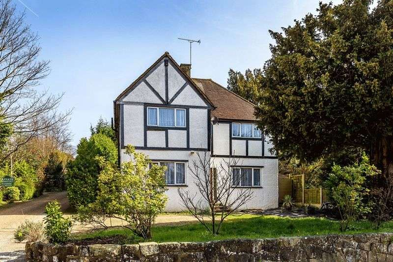 4 Bedrooms Detached House for sale in Russell Hill, PURLEY, Surrey