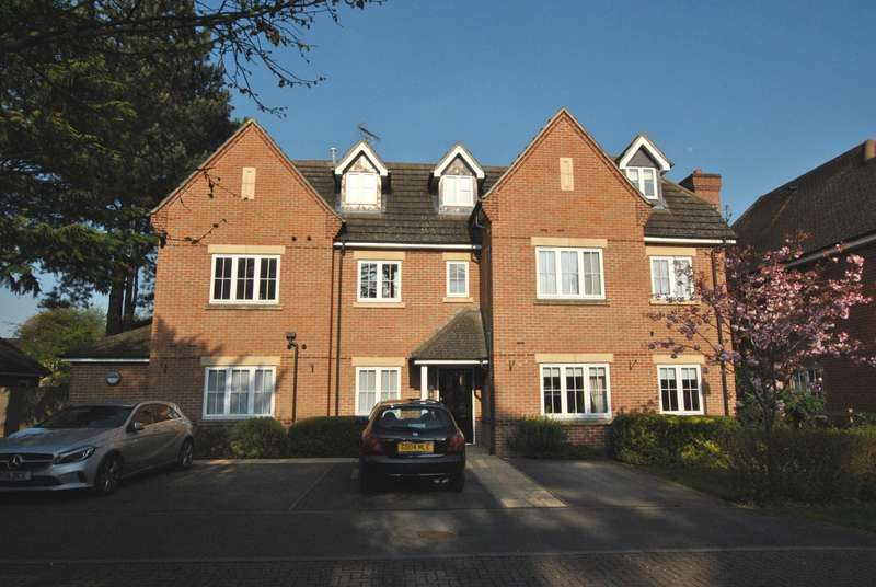 1 Bedroom Penthouse Flat for sale in Caversham