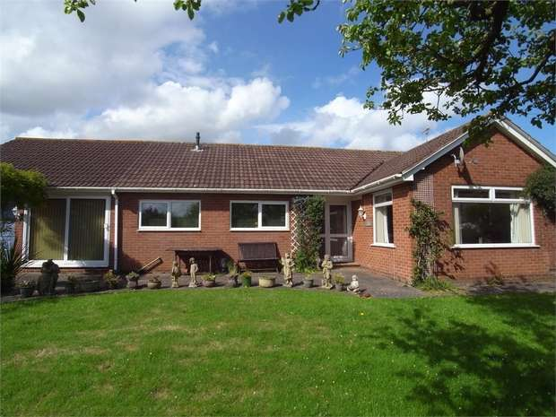 3 Bedrooms Detached Bungalow for sale in East Budleigh, BUDLEIGH SALTERTON, Devon
