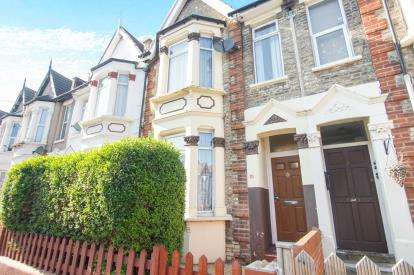 3 Bedrooms Terraced House for sale in London, Na