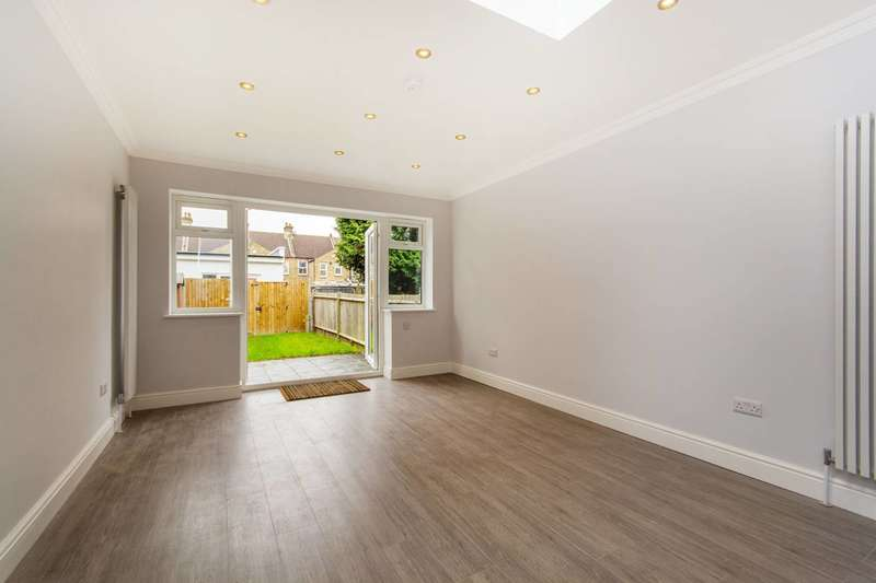2 Bedrooms Flat for sale in Headcorn Road, Mitcham, CR7