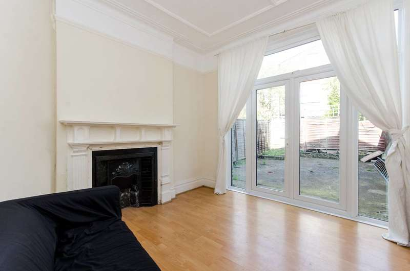 1 Bedroom Flat for sale in Norfolk house, Streatham Hill, SW16
