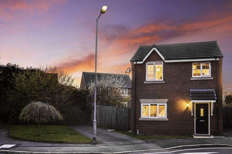 2 Bedrooms Detached House for sale in Highcroft, Bolton
