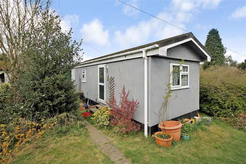 1 Bedroom Park Home Mobile Home for sale in Ashurst Drive, Tadworth, Surrey