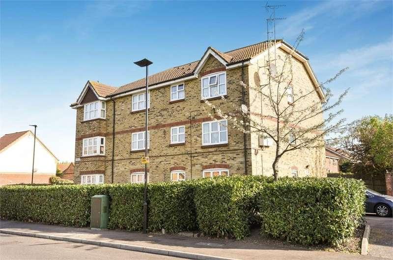 1 Bedroom Flat for sale in 1 Jubilee Way, Feltham, Greater London