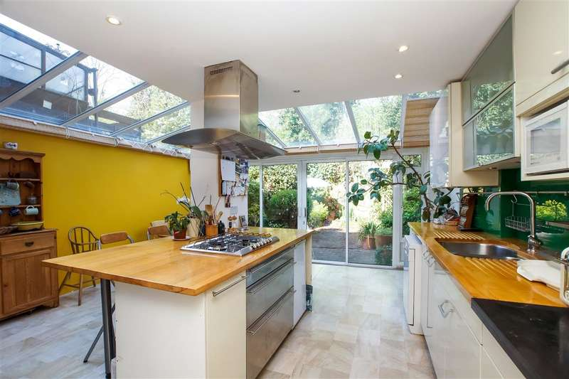 4 Bedrooms Terraced House for sale in Burghley Road, London