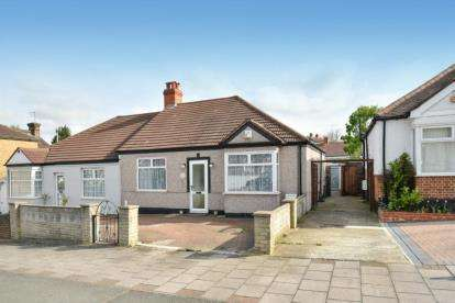 2 Bedrooms Bungalow for sale in White Horse Hill, Chislehurst