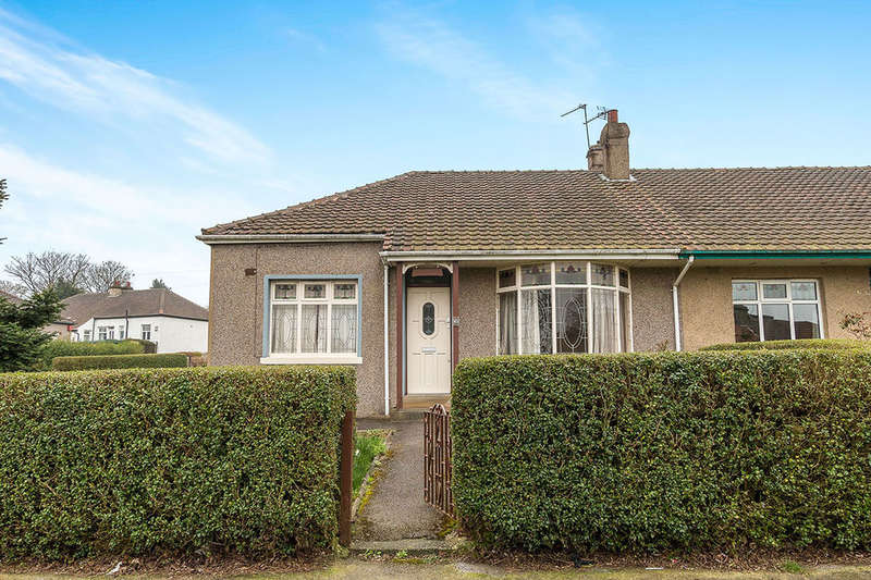 2 Bedrooms Bungalow for sale in Hawes Road, BRADFORD, BD5