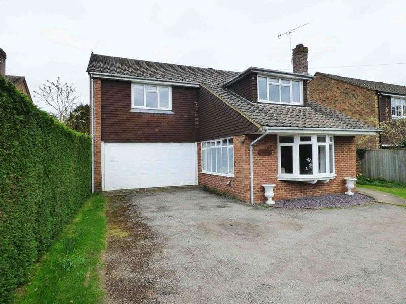 5 Bedrooms Detached House for sale in Nr. Naphill Common