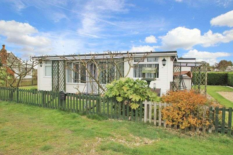 3 Bedrooms Detached Bungalow for sale in MAIN ROAD, HUMBERSTON FITTIES