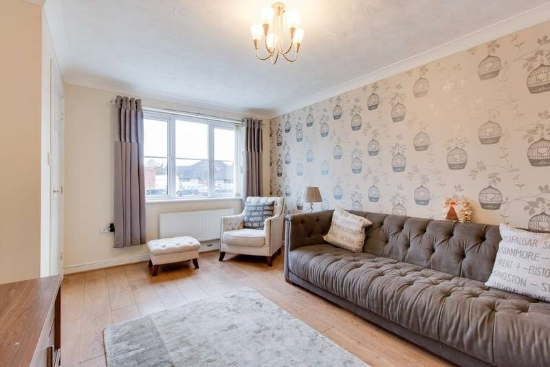 3 Bedrooms Semi Detached House for sale in Curbar Close, North Wingfield