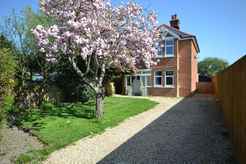3 Bedrooms Detached House for sale in Cowes, Isle Of Wight