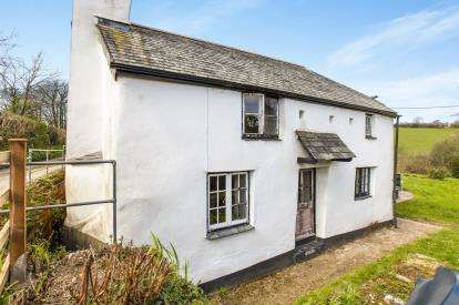 2 Bedrooms Detached House for sale in Liskeard, Cornwall, Uk