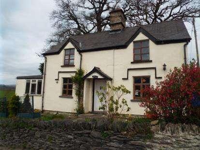 2 Bedrooms Detached House for sale in Tyn Y Cefn, Corwen, Denbighshire, LL21
