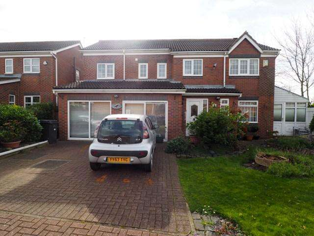 5 Bedrooms Detached House for sale in Harbour Way, Victoria Dock, Hull, HU9 1PL