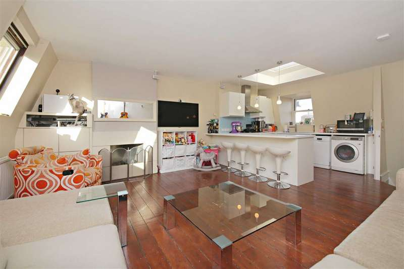 2 Bedrooms Flat for sale in Fleet Road, London, NW3
