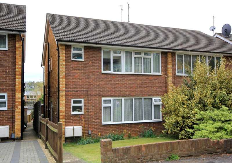 2 Bedrooms Maisonette Flat for sale in ATTRACTIVE 2 BED GROUND FLOOR MAISONETTE WITH GARDEN IN Cemmaes Meadow, HP1