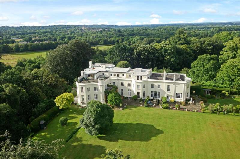 2 Bedrooms Flat for sale in Lyne Place Manor, Bridge Lane, Virginia Water, Surrey, GU25