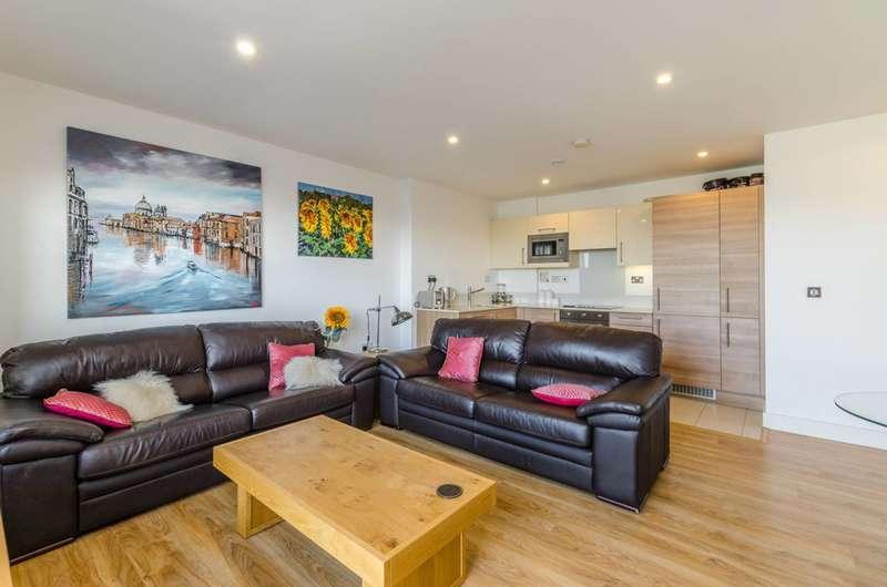 2 Bedrooms Flat for sale in Wandsworth Road, Nine Elms, Nine Elms, SW8