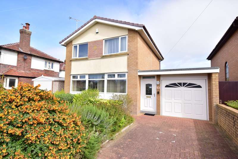 3 Bedrooms Detached House for sale in Dorset Road, Lytham St Annes, FY8