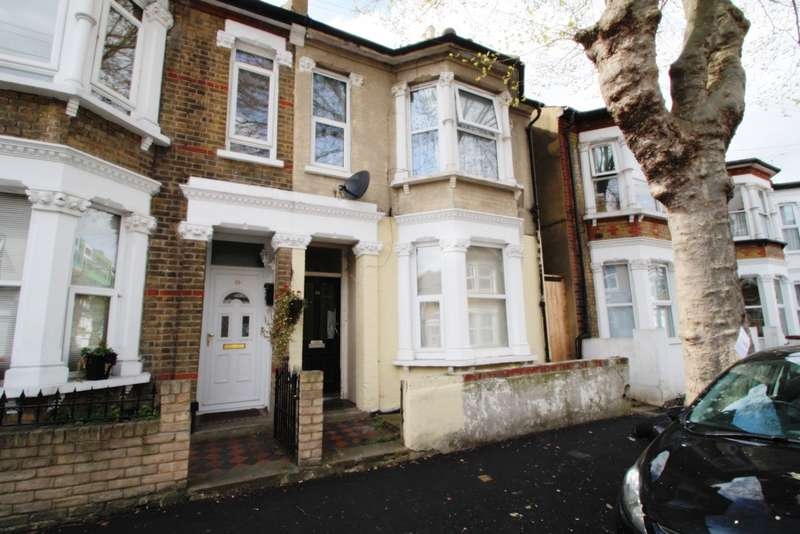 2 Bedrooms Flat for sale in Napier Avenue, Southend On Sea