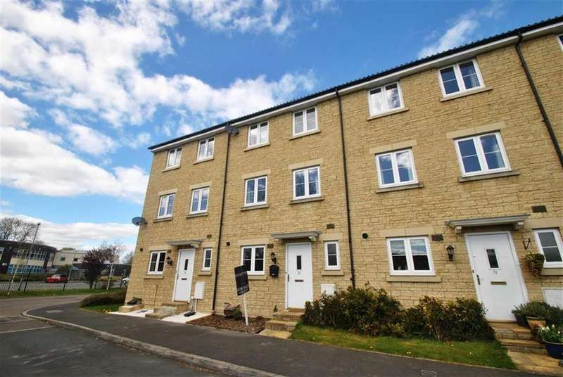 3 Bedrooms Town House for sale in Poole Road, Malmesbury, Wiltshire