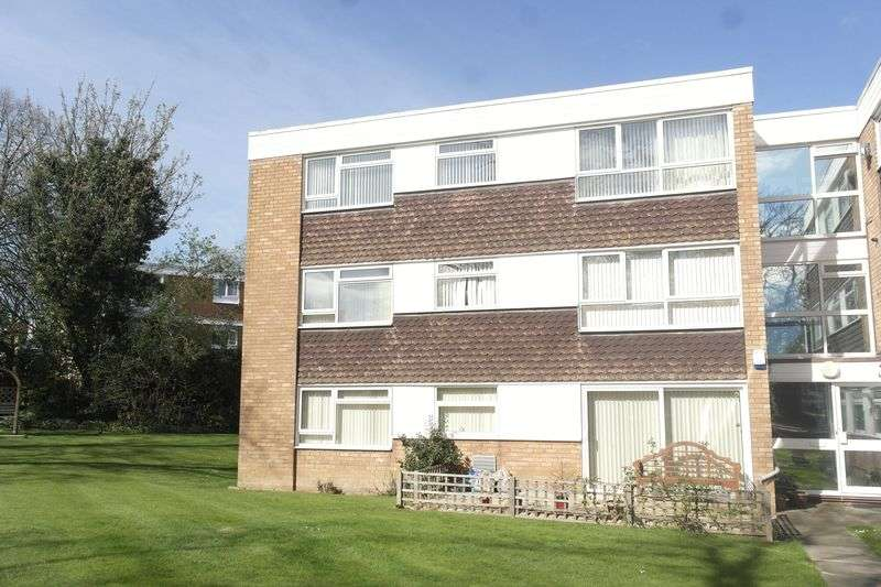 2 Bedrooms Flat for sale in Jesson Close, Walsall