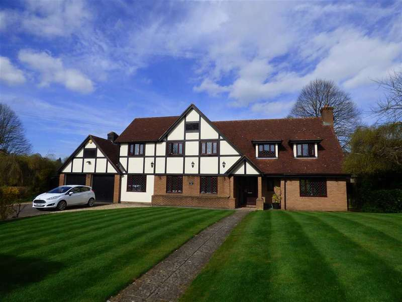 6 Bedrooms Detached House for sale in Badgers Meadow, Pwllmeyric, Chepstow