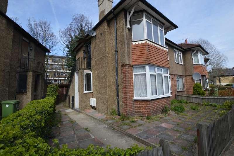 2 Bedrooms Maisonette Flat for sale in Buller Close Peckham SE15