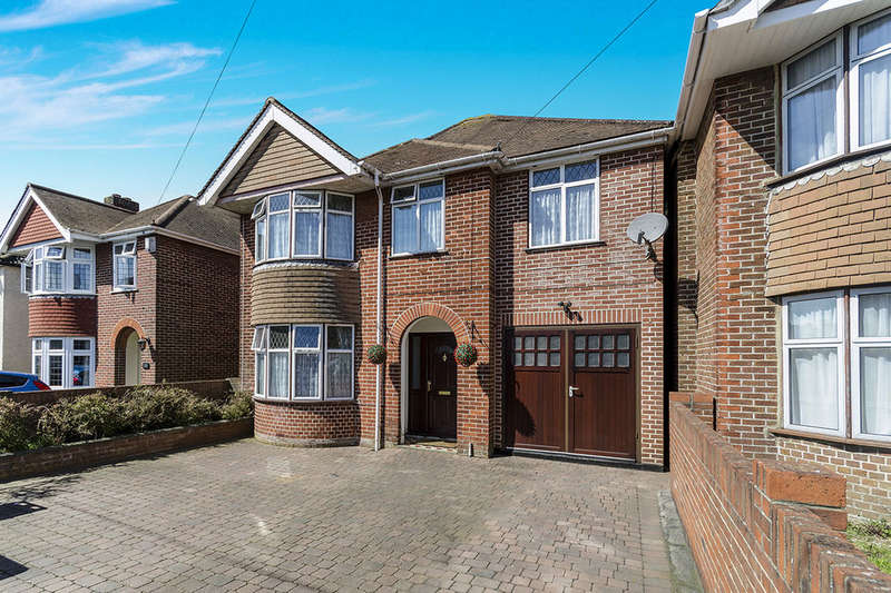 5 Bedrooms Detached House for sale in Butts Road, Southampton, SO19