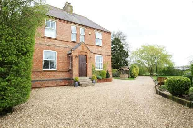 4 Bedrooms Detached House for sale in Swineshead Bridge, Boston, Lincolnshire, PE20 3PJ