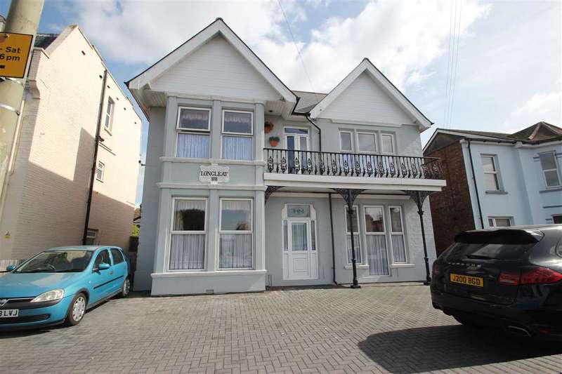 2 Bedrooms Apartment Flat for sale in Flat 4, 20 Carnarvon Road, Clacton-On-Sea
