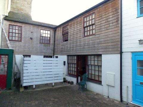 3 Bedrooms Terraced House for sale in The Mews, Wendron Street, HELSTON